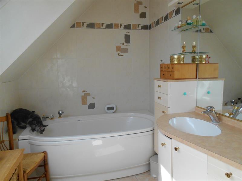Sale house / villa Lons-le-saunier 440000€ - Picture 11