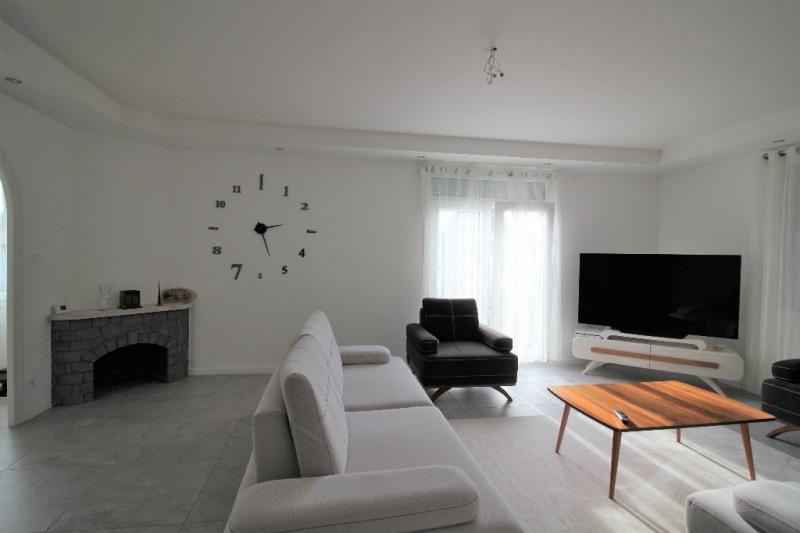 Sale house / villa Le pont de beauvoisin 274000€ - Picture 5