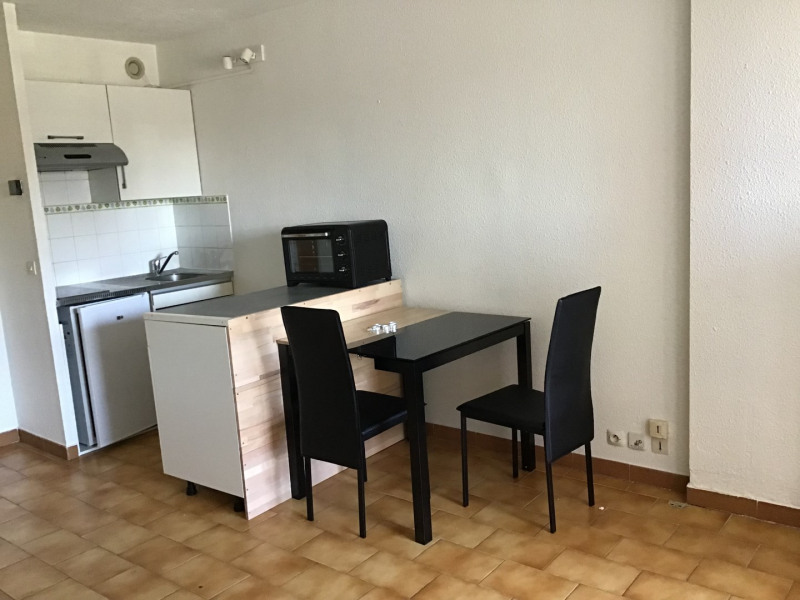 Rental apartment Fréjus 520€ CC - Picture 1