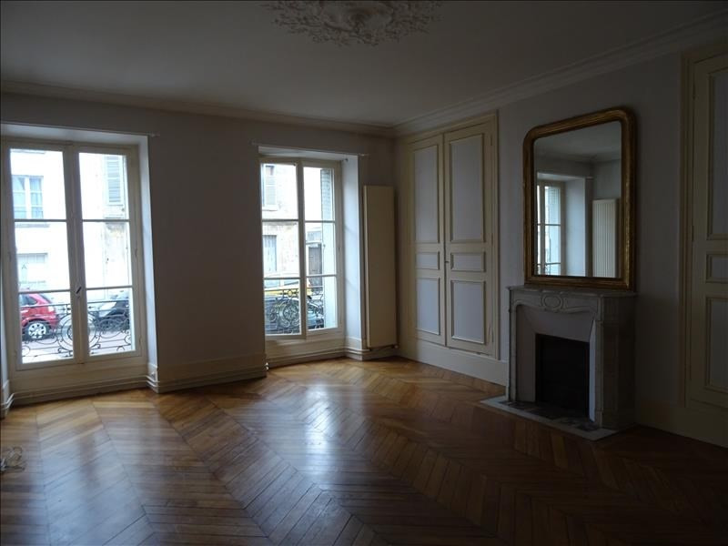 Location appartement Versailles 1705€ CC - Photo 2