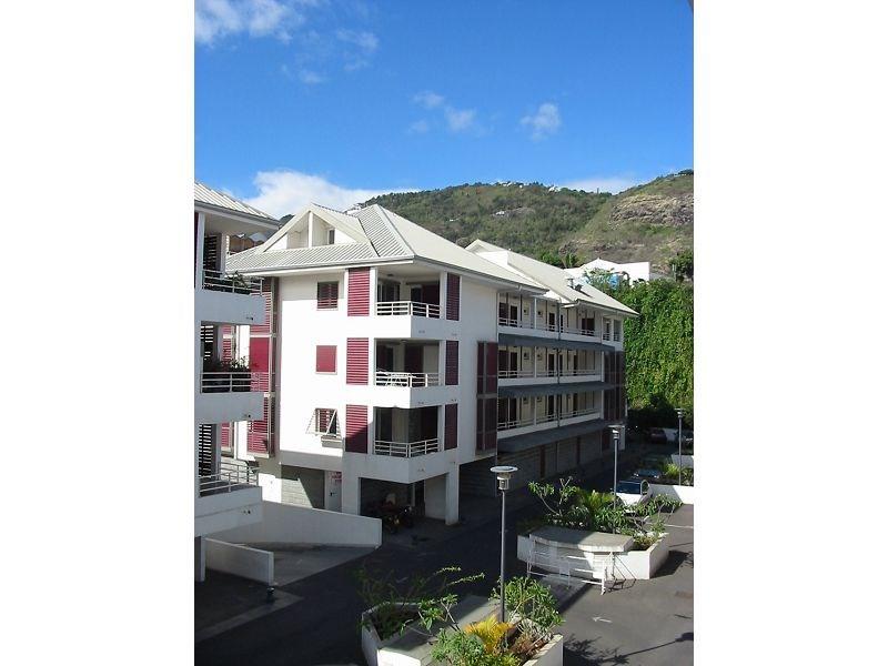 Location appartement St denis 556€ CC - Photo 1