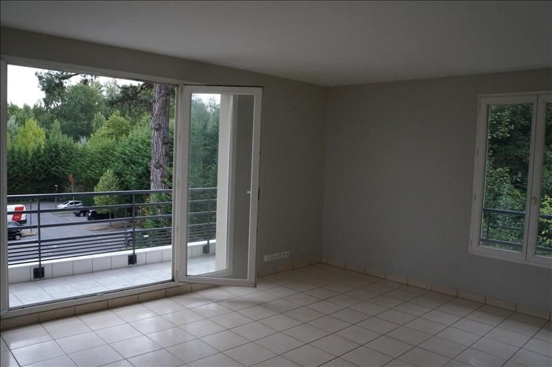 Sale apartment Osny 219450€ - Picture 2