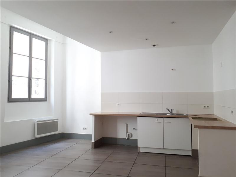 Location appartement Toulon 731€ CC - Photo 1