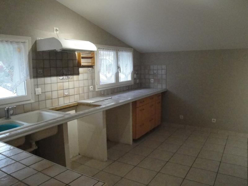 Rental house / villa Sansais 770€ CC - Picture 3