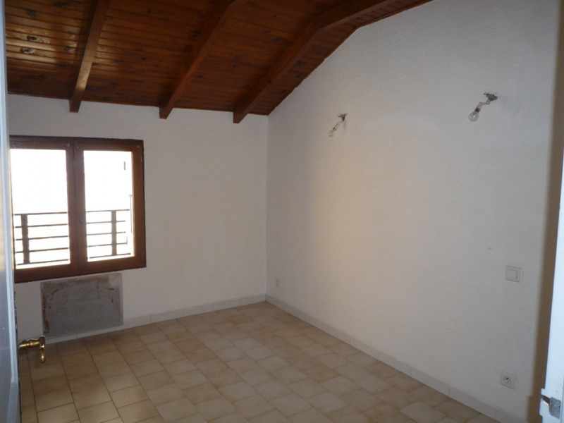 Sale house / villa Camaret sur aigues 71 000€ - Picture 5
