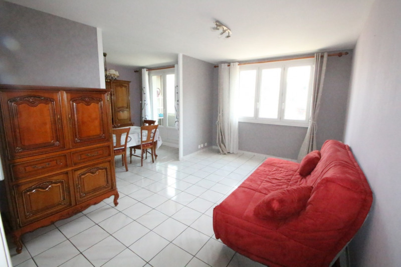 Sale apartment Grenoble 105 000€ - Picture 1