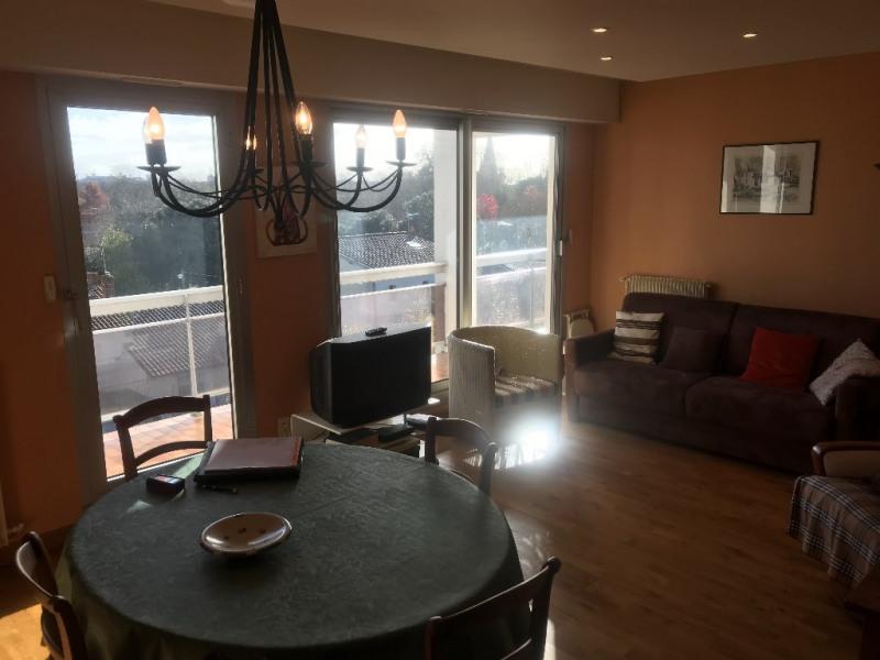 Sale apartment La rochelle 253800€ - Picture 2