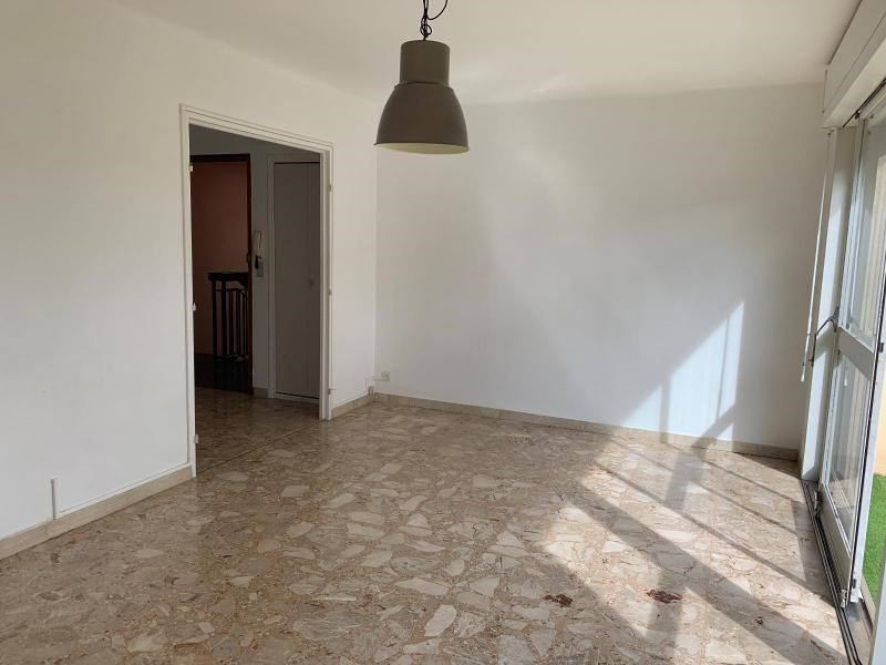 Location appartement Aix en provence 1 021€ CC - Photo 3