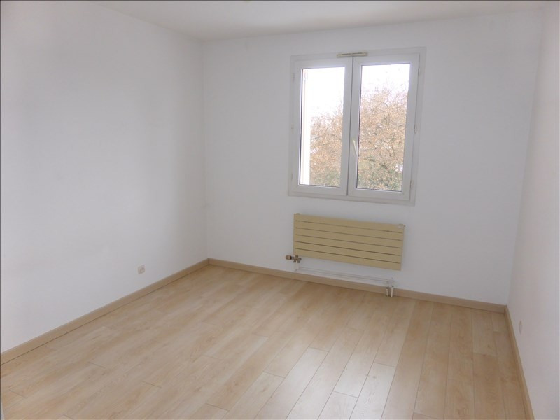 Rental apartment Prevessin-moens 1 132€ CC - Picture 4