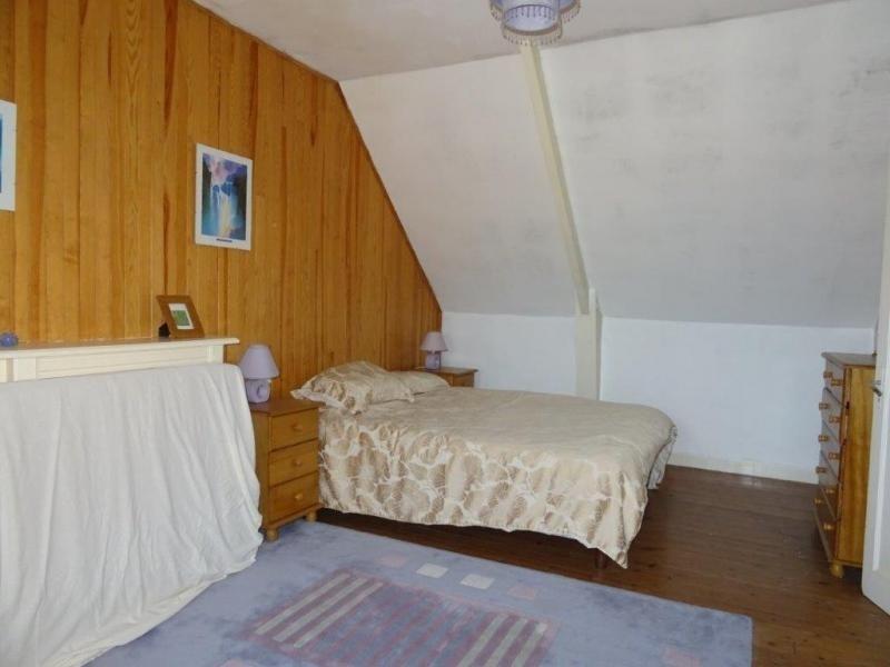 Sale house / villa Plusquellec 64200€ - Picture 11