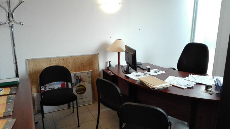 Location local commercial Arques 1 002€ HC - Photo 5