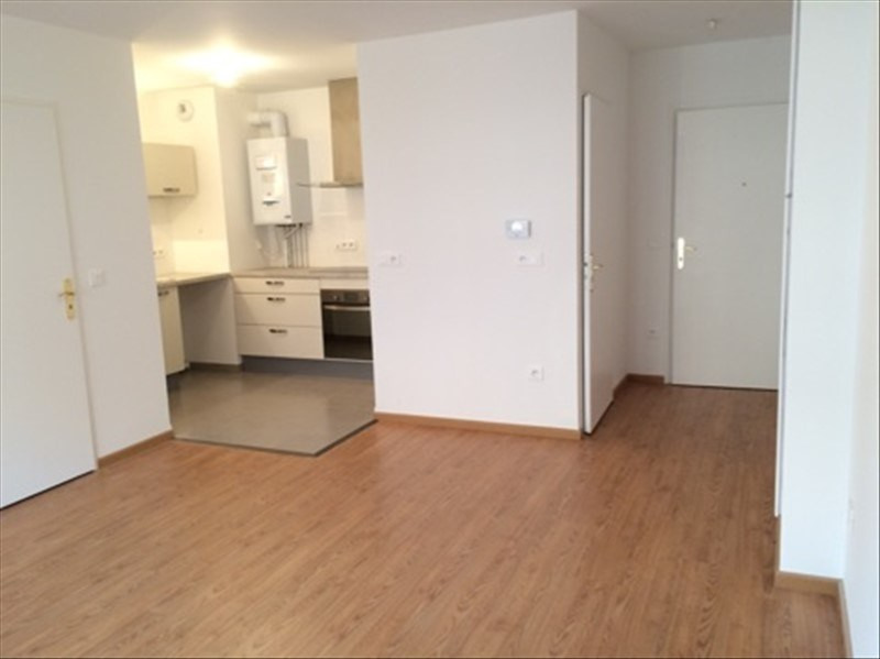Location appartement Gentilly 1024€ CC - Photo 1