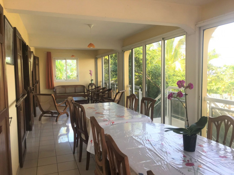 Sale house / villa Petite ile 367 500€ - Picture 1