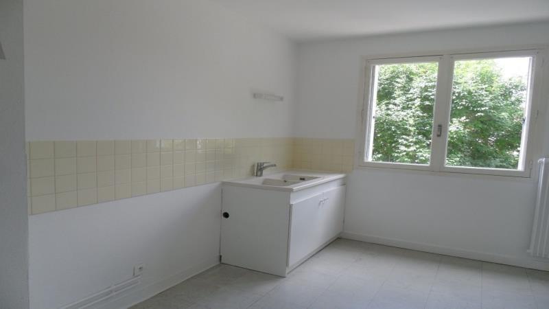 Rental apartment Pont sainte marie 587€ CC - Picture 2