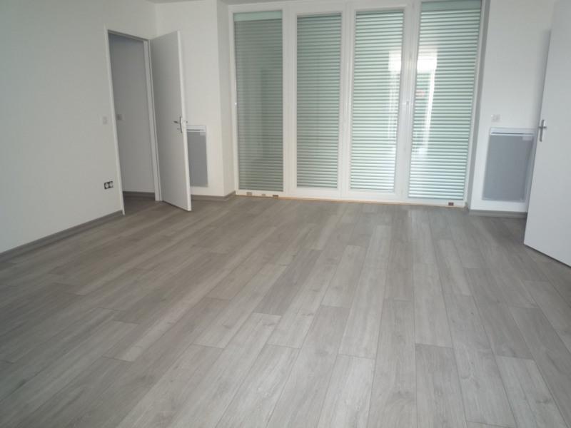 Rental apartment Le chambon sur lignon 490€ CC - Picture 2