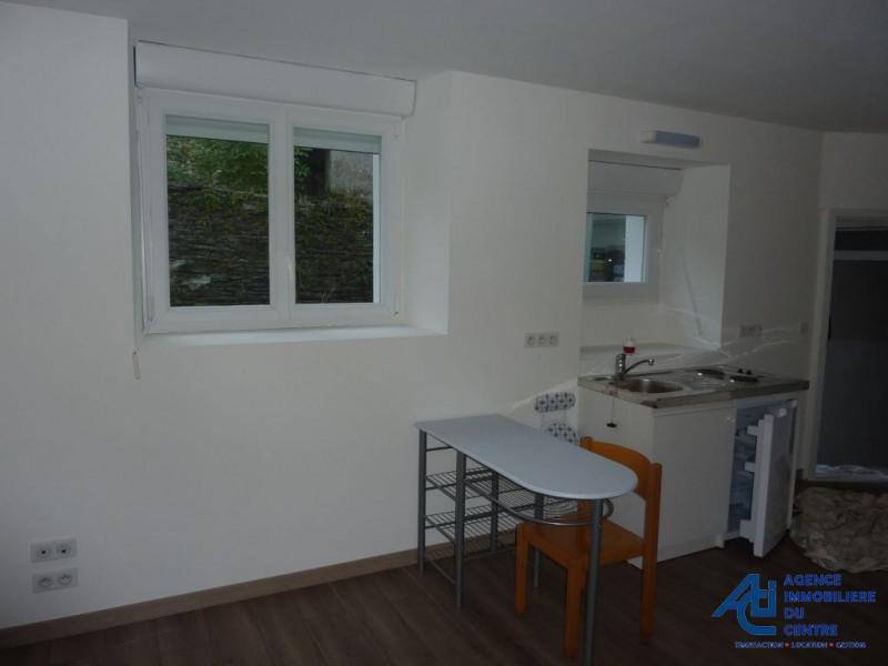 Rental apartment Mur de bretagne 268€ CC - Picture 2