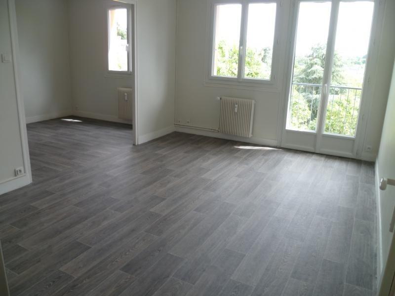 Location appartement Laval 535€ CC - Photo 1