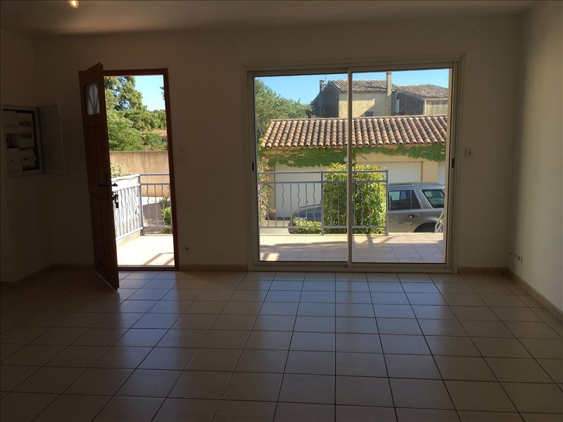 Location appartement Lambesc 819€ CC - Photo 1