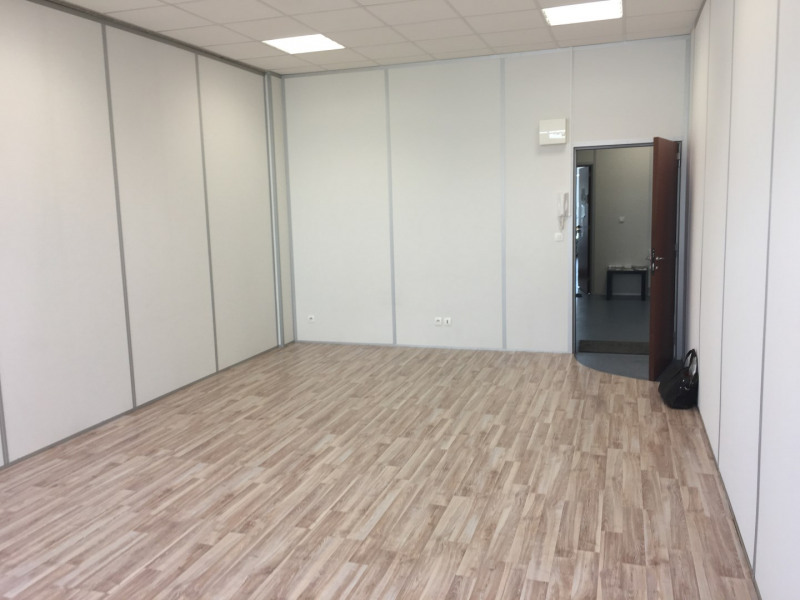 Rental office Croissy-beaubourg 837€ HT/HC - Picture 2