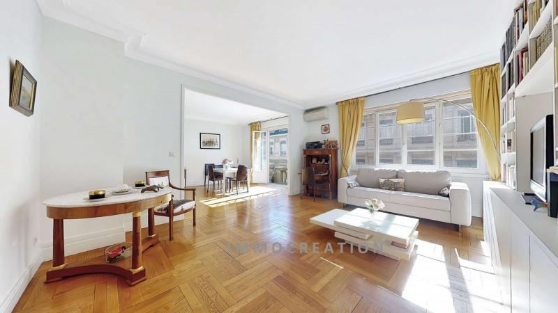 Très bel appartement de 2 ou 3 pièces, en étage élevé, peti