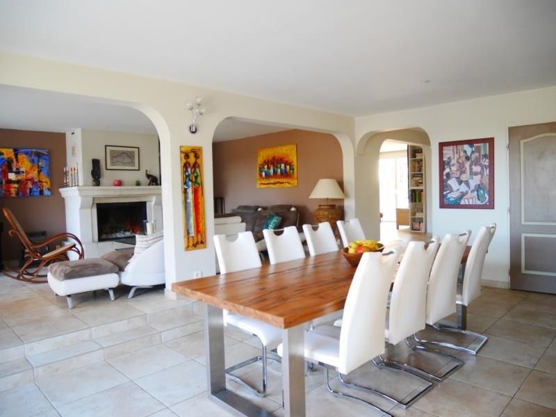 Deluxe sale house / villa Trets 660000€ - Picture 2