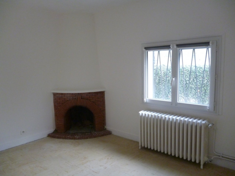 Rental apartment Laloubere 626€ CC - Picture 5