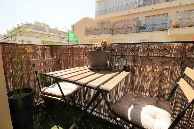 Sale apartment Nice 300000€ - Picture 3