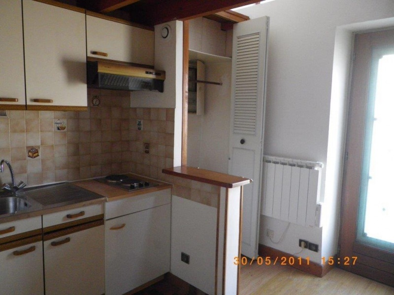 Rental apartment La ville du bois 409€ CC - Picture 1