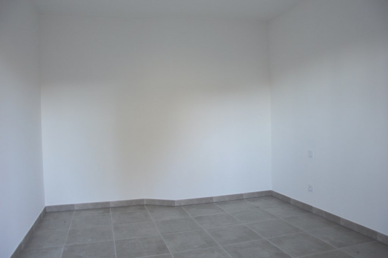 Venta  apartamento Le revest les eaux 240500€ - Fotografía 4