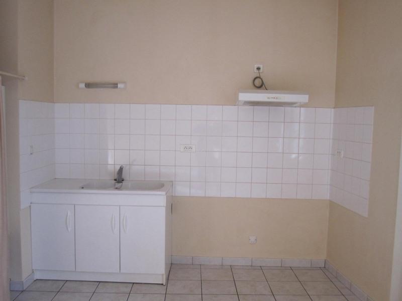 Location appartement Baignes-sainte-radegonde 418€ CC - Photo 1