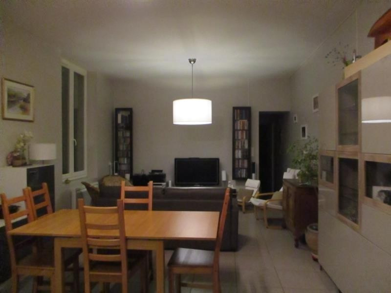 Location maison / villa Salon de provence 1150€ CC - Photo 3