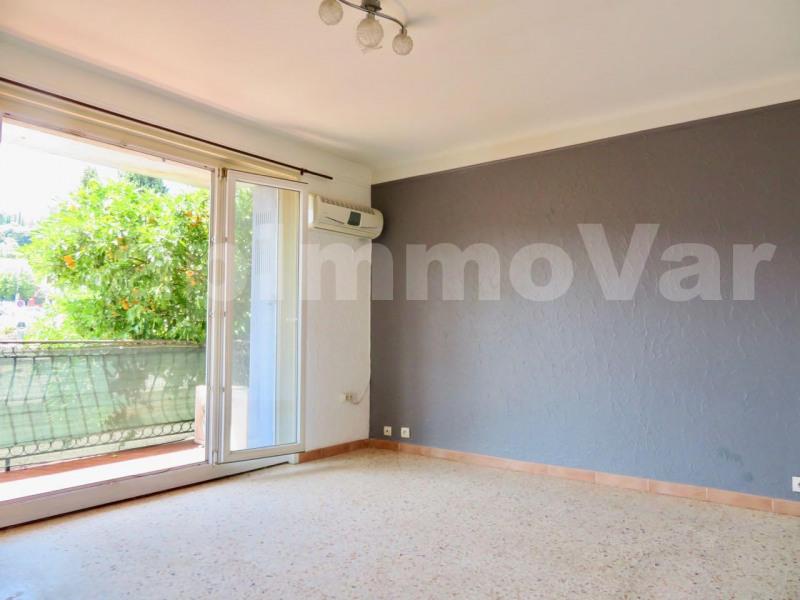 Rental apartment Le beausset 660€ CC - Picture 2