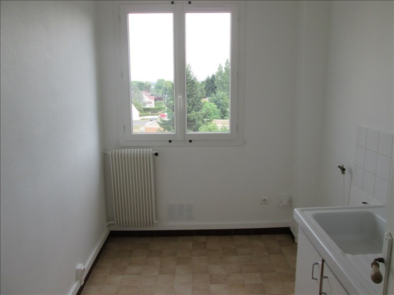 Location appartement Coubron 601€ CC - Photo 3