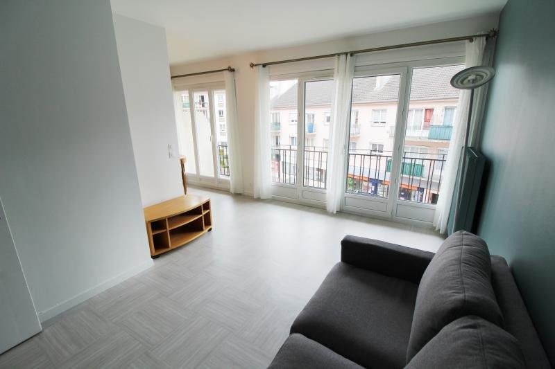 Rental apartment Maurepas 680€ CC - Picture 2