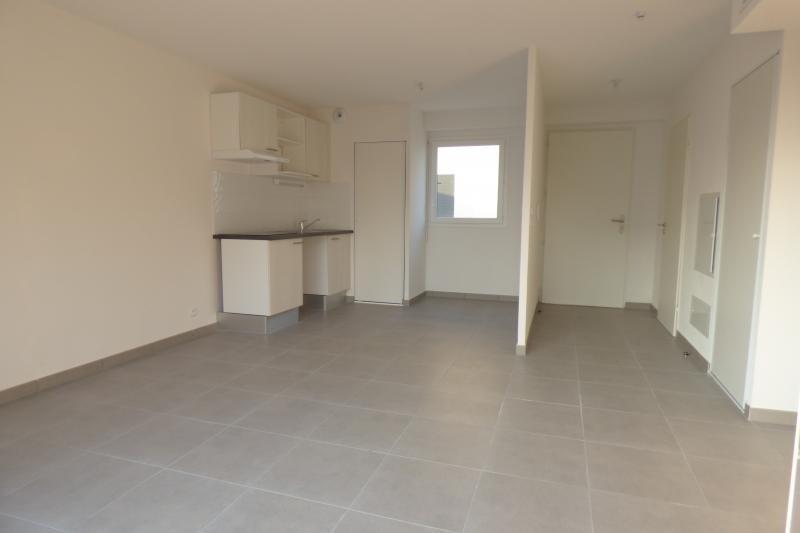 Rental apartment Valras plage 670€ CC - Picture 6