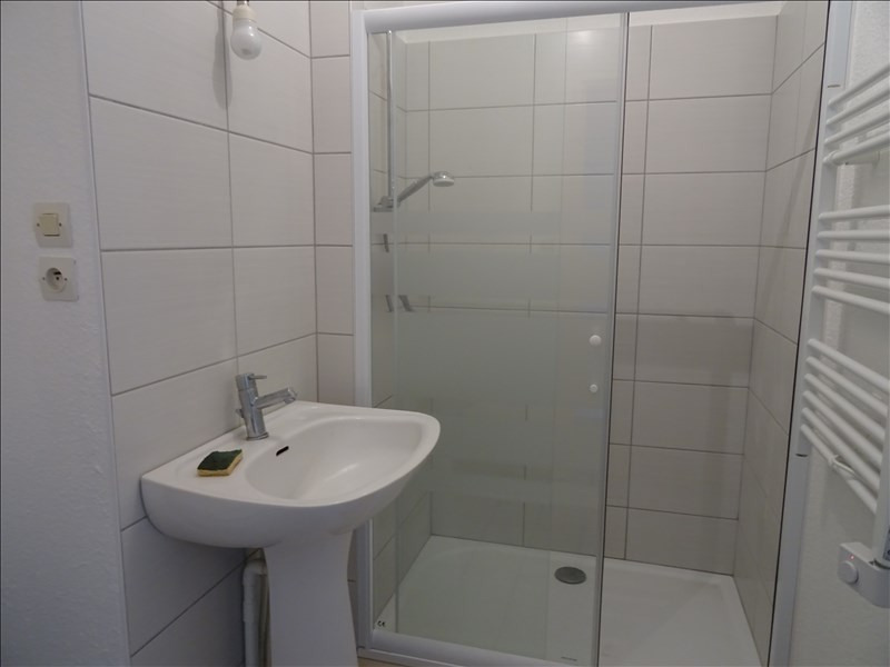 Location appartement Roanne 330€ CC - Photo 3