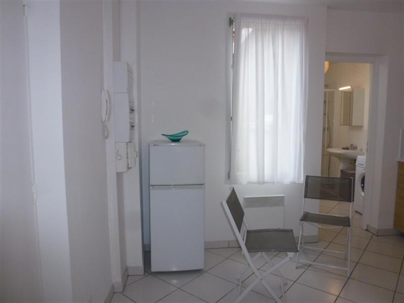 Location appartement Fontainebleau 835€ CC - Photo 6