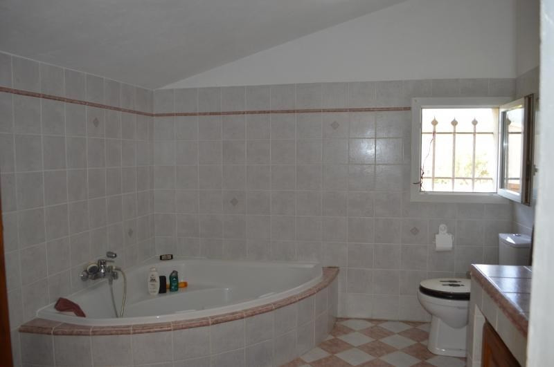 Sale house / villa Roquebrune sur argens 456000€ - Picture 6