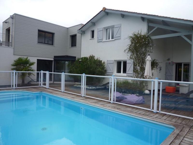 Maison Gujan Mestras 8 pièce (s) 210 m²