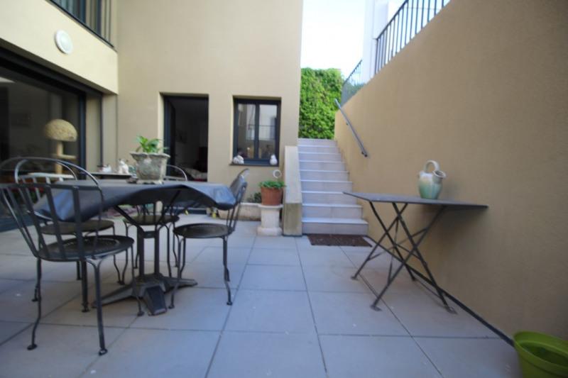 Appartement type T4 avec terrasse, dépendance, jardin et garage