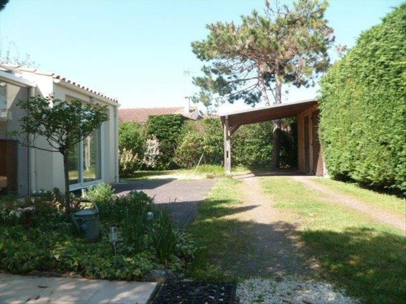 Vente maison / villa Le chateau d oleron 299440€ - Photo 18