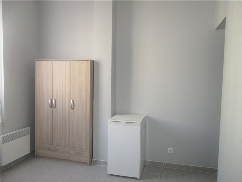 Rental apartment Nimes 380€ CC - Picture 2