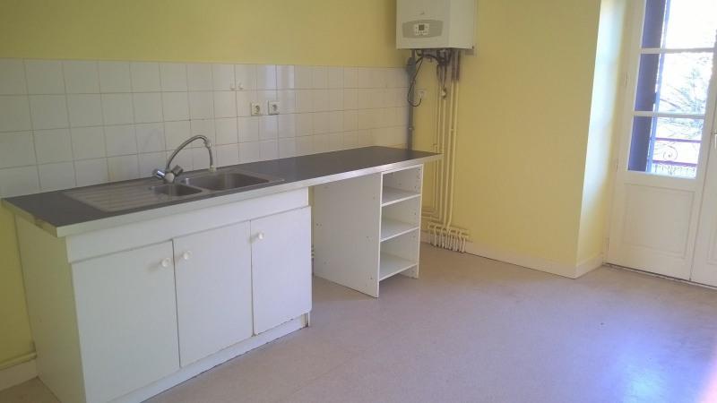 Rental apartment St julien chapteuil 420€ CC - Picture 1
