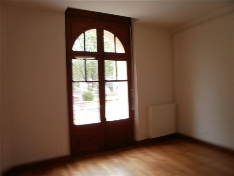 Location appartement Izeste 578€ CC - Photo 3