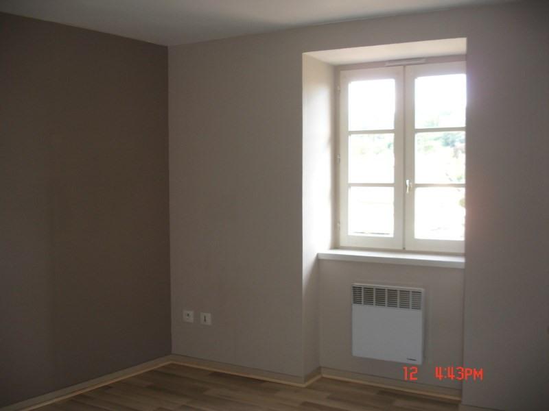 Rental apartment Cremieu 440€ CC - Picture 3
