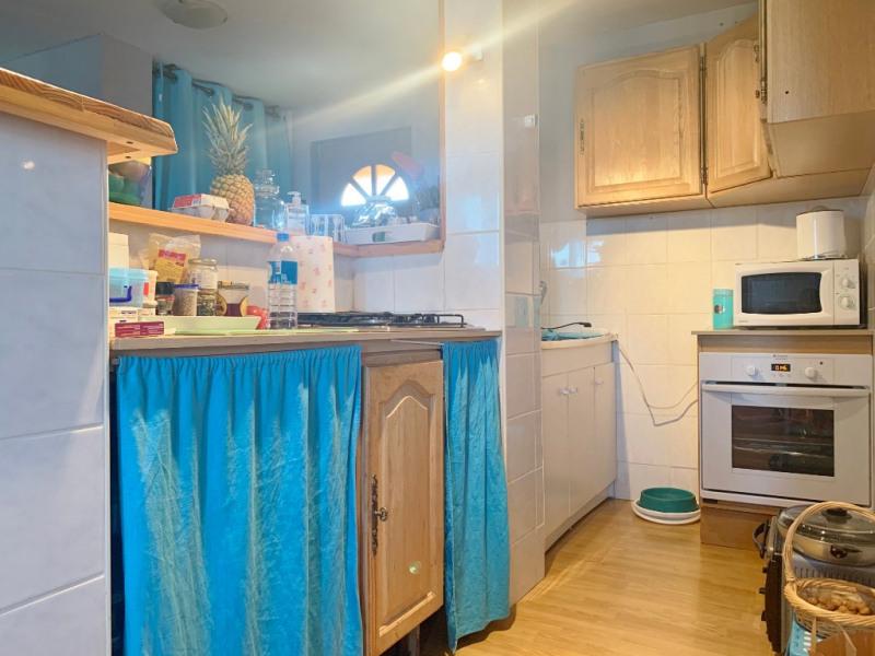 Rental apartment Saint andre le gaz 510€ CC - Picture 2