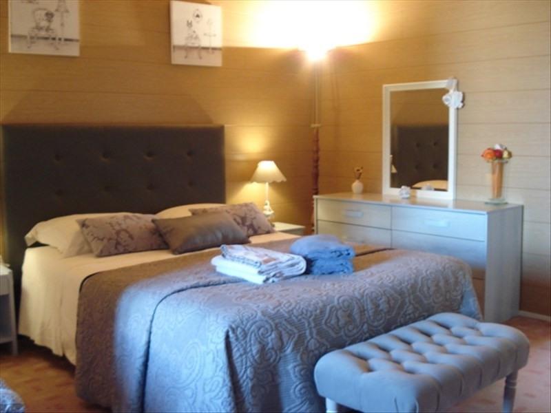 Sale house / villa St julien beychevelle 238500€ - Picture 6