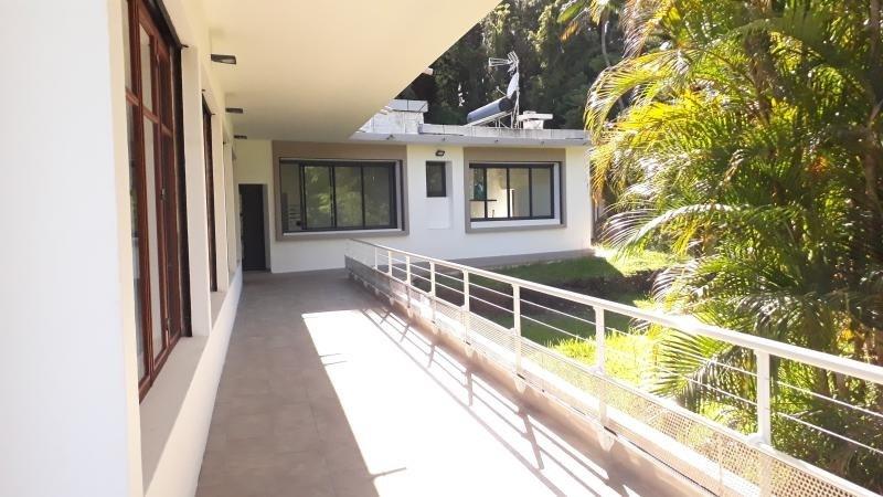 Location maison / villa Le tampon 2500€ CC - Photo 3