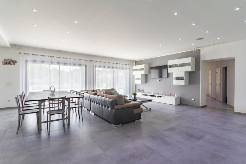 Verkauf von luxusobjekt haus St cannat 1378000€ - Fotografie 4