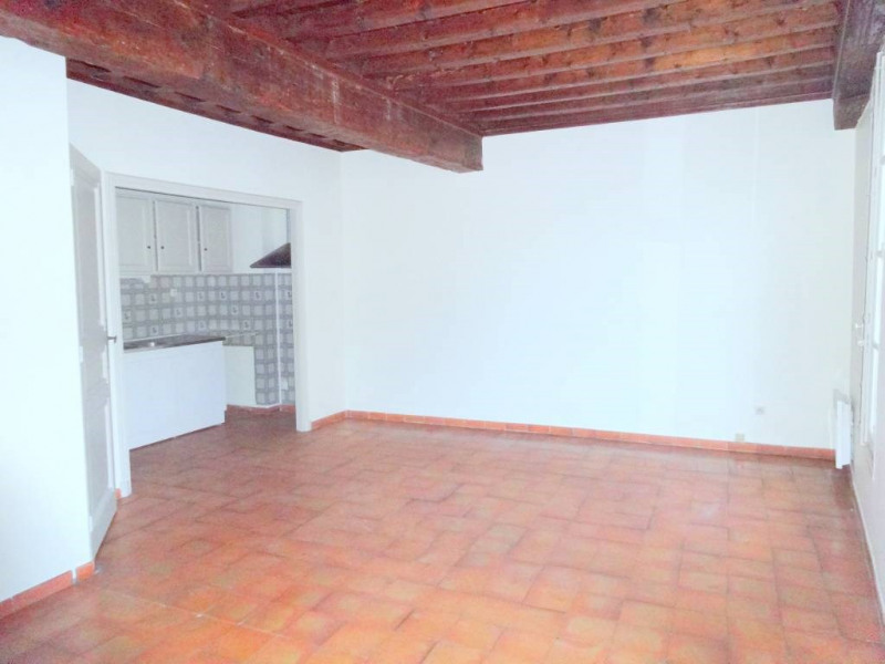 Rental apartment Avignon 480€ CC - Picture 1